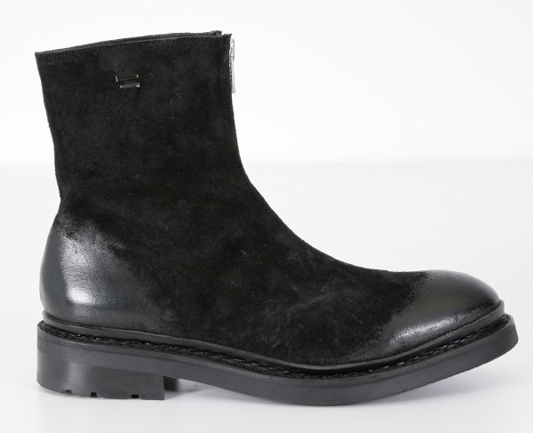 The Last Conspiracy Magne Boot