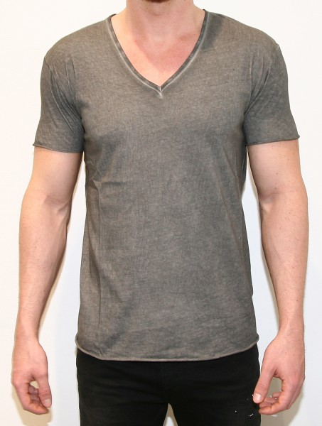 Unconditional V-Neck Military